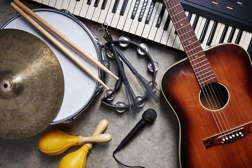 opgewekte uitvaartmuziek
