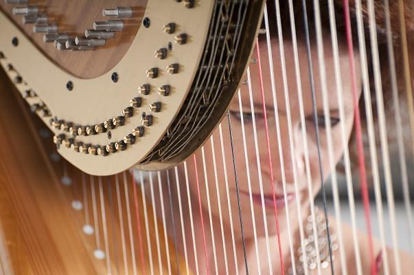 Heleen Bartels harp en zang